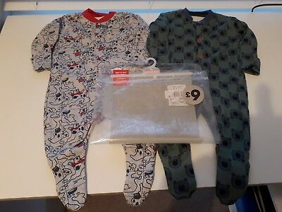 Babies Tu Pack Of 2 Sleepsuits. BNWT.  Size Up To 1 Month.