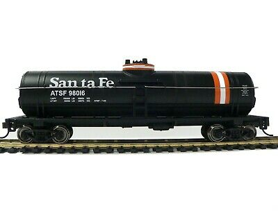 HO Scale Model Railroad Trains Layout Walthers Santa Fe Tanker Car 931-1444