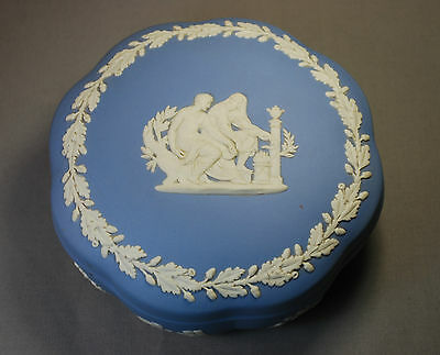 Wedgwood Jasperware Made in England Covered Trinket Box (B1)