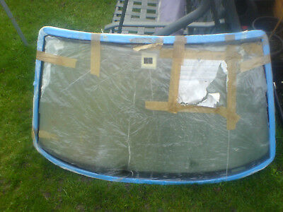 FORD ESCORT WINDSCREEN MK6 96-02 N.o.s