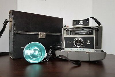 Polaroid Automatic 330 Land Camera with carrying case and Flash