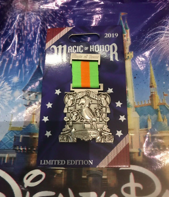 Disney Parks Pin Magic Of Honor Medal POTM LE 2000 Tiki Room Enchanted 2019 WDW