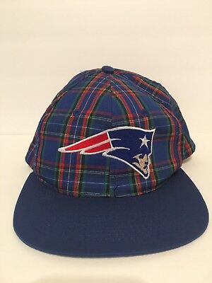 fd84e10a8 VTG 90s New England Patriots NFL Football Throwback Retro SnapBack Hat  Vintage