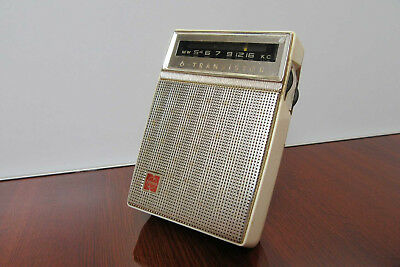 Vintage National T-53 Solid State Transitor Radio with Stand