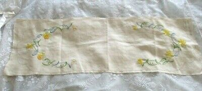 Vintage Hand Embroidered Myart DAFFODIL TABLE RUNNER  Pure Linen  Worked App 80%