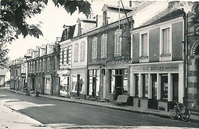 CP - France - (03) Allier - Vallon-en-Sully - La rue principale