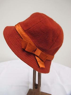 Vintage 1940s Young Girls Rust Red Coloured Twill  Fabric Cloche Hat