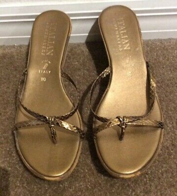 2853580f7968d Italian Shoemakers Italy Gold Wedge Thong Sandals Womens Size 10 Gold  Metallic