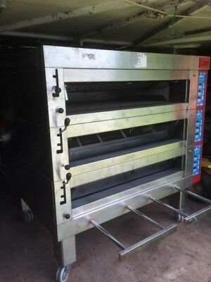 3 deck commercial bakery oven BRISBANE LIAN  with steam