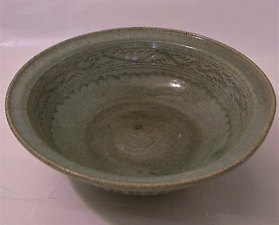 Large Sawankhalok ceramic bowl celadon glaze and incised, 14-15th c. Thailand