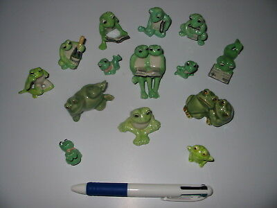Lot de 14 figurines en porcelaine style grenouille