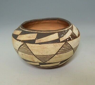 Native American Indian fine vintage Acoma pottery bowl