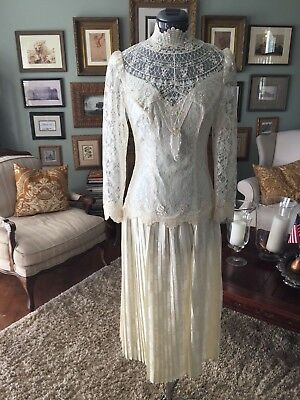 Vintage  80's  Ivory Lace Wedding Dress Small/med Excellent Union Label