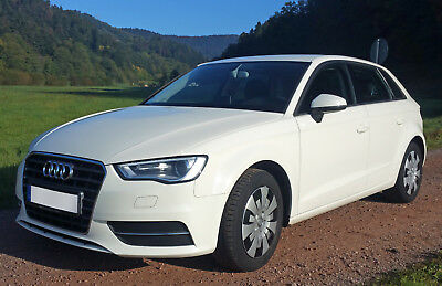 Audi A3 Sportback Attraction 1,6 TDI clean diesel 81KW 110 PS 6 Gang