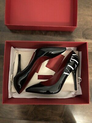 d966f2eac85c New In Box Valentino VLTN Logo Pump Black Patent Leather Size 39   9US  799