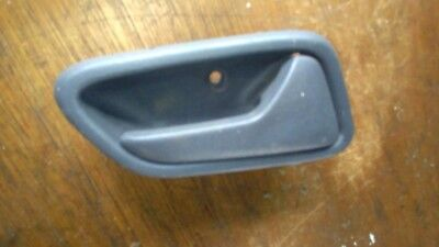 01-07 SUZUKI LIANA drivers side right front interior door handle inner osf
