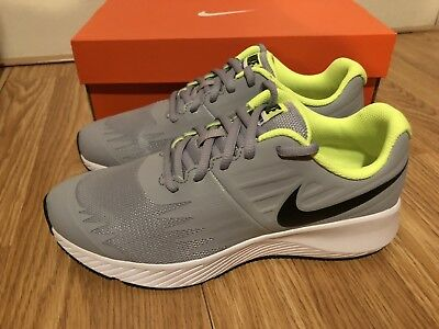 NEW Nike Star Runner (GS) Boy s Youth Size 5Y 6Y running shoes 907254 002 ac3a9f979