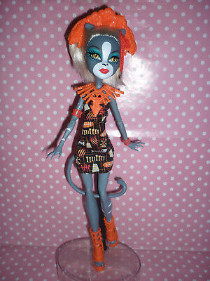 """Monster High """"Ghouls Getaway"""" Meowlody Doll"""