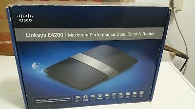 LINKSYS E4200 750 Mbps 4-Port Gigabit Wireless N Router and