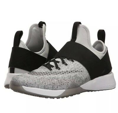 New Nike Air Zoom Training Shoes Strong Sneakers Size 8 White Black VeIcro  Women 8a85a924e