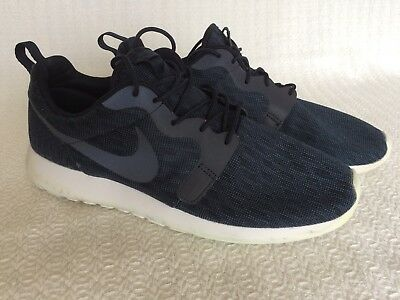 969cd8ebcb10 NIKE ROSHE RUN Green Size 11.5 -  29.99