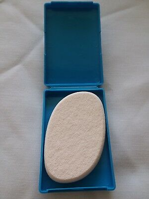 New Shiseido The Makeup Sponge Puff For Foundation. New In Package.