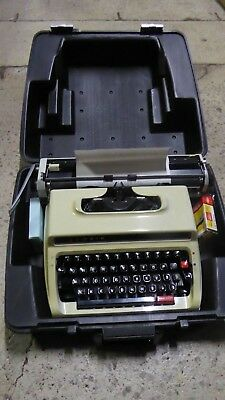 Vintage Cased Portable Typewriter Lemair Deluxe 1613 - Good Working Condition