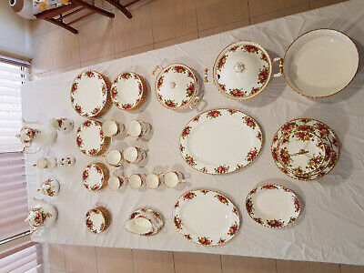 Royal Albert, Old Country Roses 72+ pieces Dinner Set
