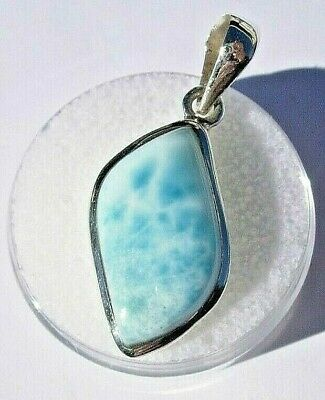 Beautiful Larimar 925 Sterling Silver Pendant Jewelry about 3.36 grams 26x15mm