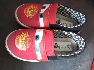 c3098d778495a Lot chaussons taille 24 et chaussures en toile taille 25 CARS Flash McQueen