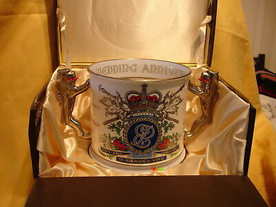 E33 1972 Queen Elizabeth II & Pr.Philip  Silver Wedding anni Large L/Cup