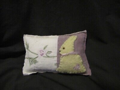 Primitive Quilted pillow tuck - lavender/white with bunny - Easter/spring -10