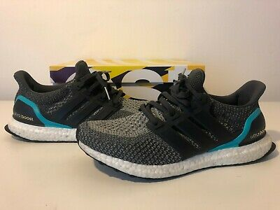 afc734ffeb1ad Adidas Ultra Boost Dark Solid Grey Shock Mint Green White Nmd R1 Aq5931 9  Us 10