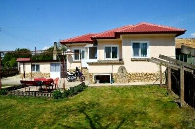 Pretty house ready to be lived in, with a HUGE garden /10000 sq.m./, near Varna