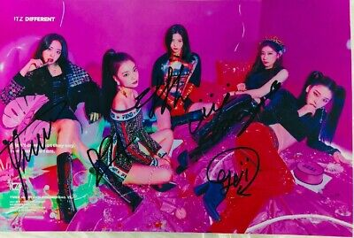 Signed Photo ITZY Yuna Ryujin Chaeryeong Lia Yeji ALL5 Autograph