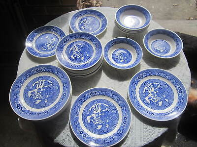 VINTAGE BLUE WILLOW SET OF 26 PIECES SALAD and BREAD PLATES AND BERRY BOWLS NICE