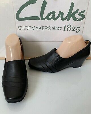 b770ad32f88 CLARKS CUSHION SOFT Smart Leather Shoes Size UK 7 EU 41 in excellent ...