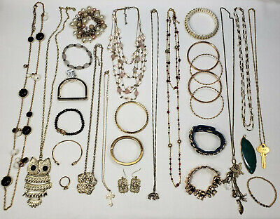 Lot of 28 Mixed Vintage - Modern Costume Jewelry Necklace Bracelet Ring Earrings