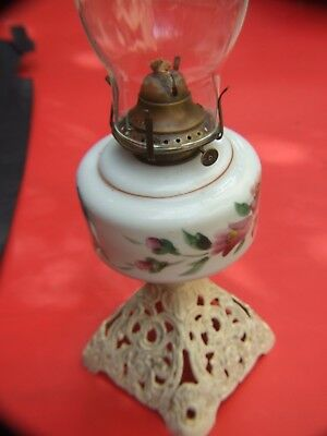 ANTIQUE VICTORIAN OIL /KEROSENE LAMP MILK GLASS  PAINTED  BOWL 1890's