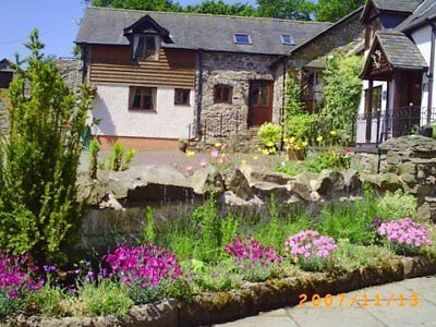 Late Deal / Last Minute 5* Holiday Cottage - Sleeps 4, 2 Bed, 2 Bath, Mid-Wales
