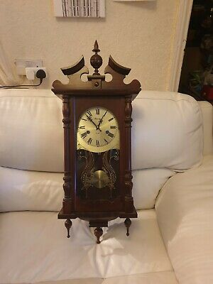 MAXIM 31 DAYS Wall Clock, keeps good time, full working order. Vintage style.