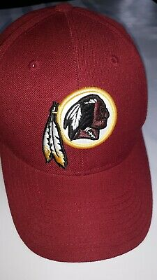 15ec3834a70 NFL Team Reebok. Washington Redskins Cap Hat with Logo. Oxblood. Unisex A