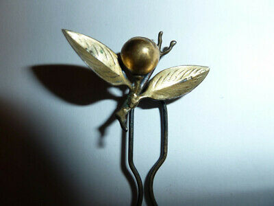 Vintage Japanese Hair Pin/Kanzashi Metal Gold Plated with Leaves/Berry Top