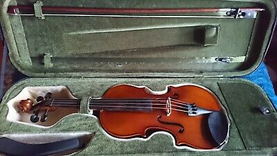Allieri 4/4 Full Size Violin with case, bow, rosin, shoulder rest and 9 books