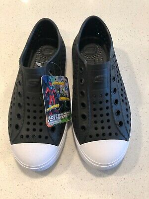 2d6bc0304528 NWT SKECHERS BOYS Guzman Shoes in Black Size 1 -  19.99