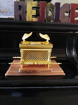 Ark of the covenant Jewish collection
