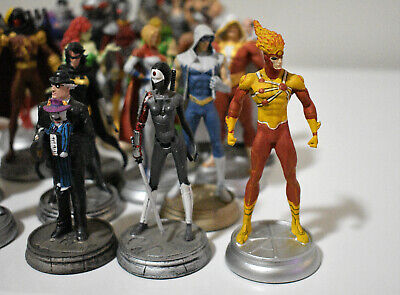 Eaglemoss Dc Comics Full 32-Piece Chess Set Plus 22 Additional Collectables