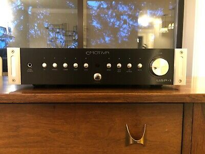 Emotiva USP-1 2 Channel Stereo Preamp and Headphone Amp Phono MM/MC Excellent!