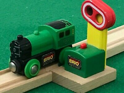 BRIO MAGNETIC SIGNAL & ENGINE for THOMAS & Friends Wooden Railway TRAIN SETS