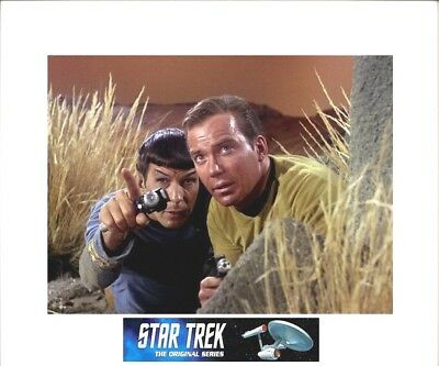 """STAR TREK TOS 8"""" x 10' Kirk & Spock w/Phasers Picture - 11"""" x 14"""" White Matted"""